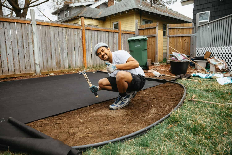 How To Build A Backyard Fire Pit - TheMandagies.com