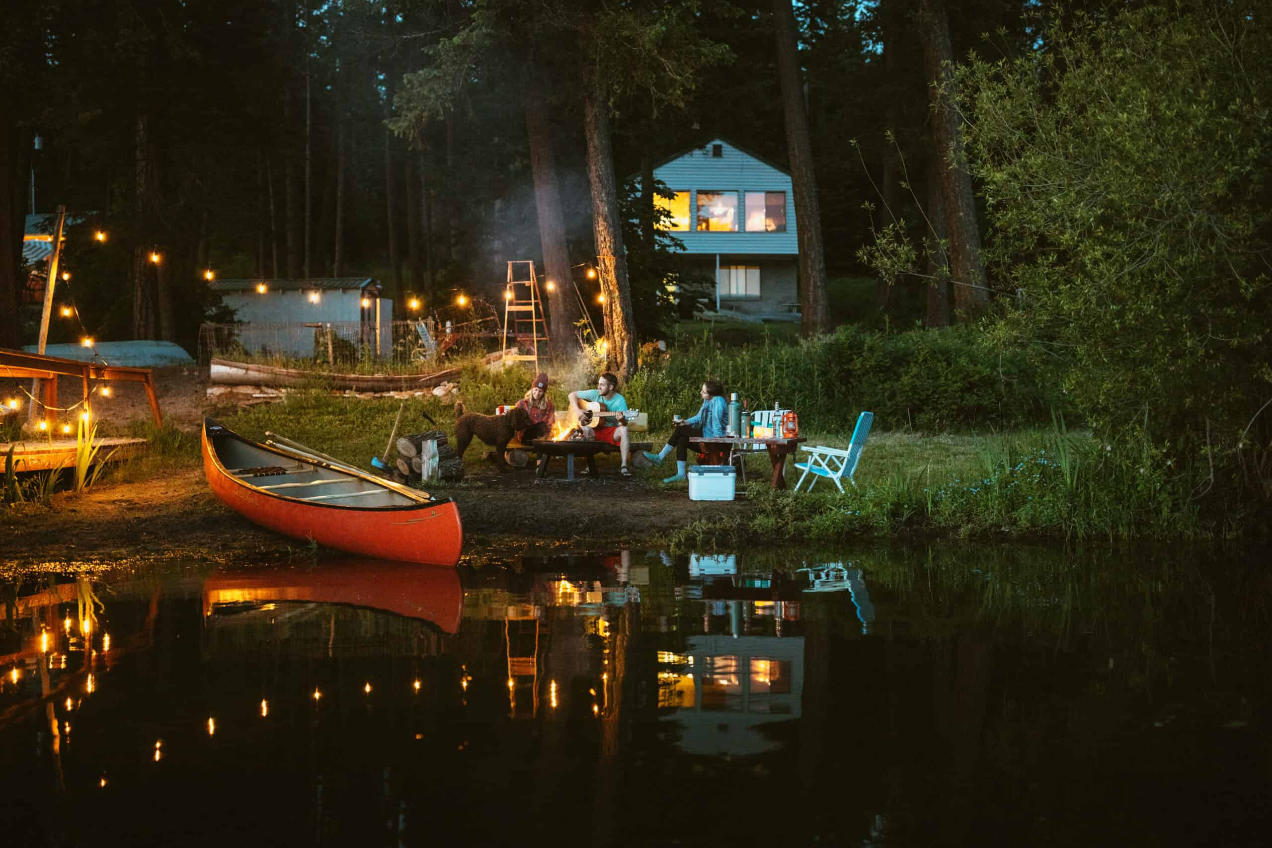 How To Plan The Perfect Low-Key Lake Weekend This Summer