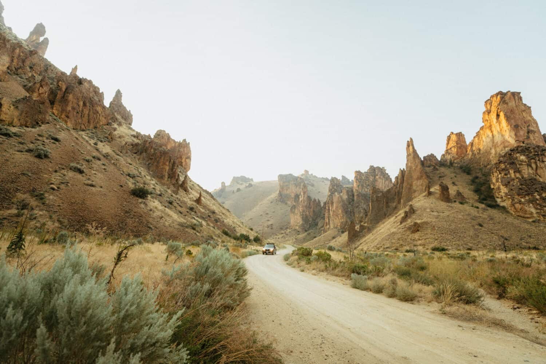Emergency Car Tool Kit - Car In Desert