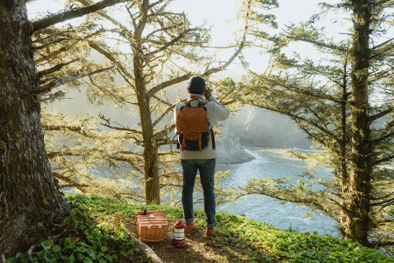 Berty Mandagie photographing Secret Beach in Oregon