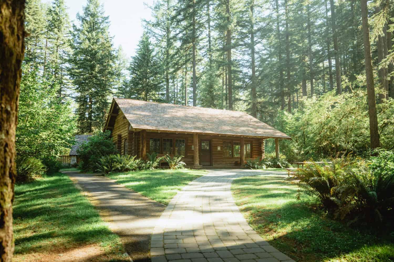 Silver Falls State Park, Oregon - historic cabin