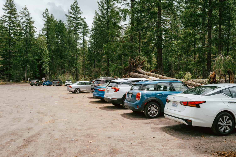 Parking lot at Ramona Falls Trailhead